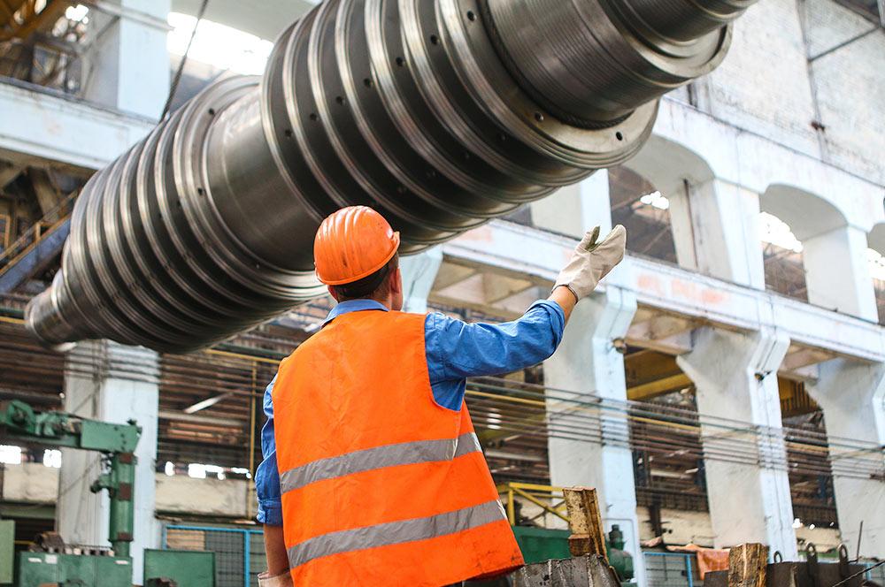 Obrero trabajando en la construccion con ERP